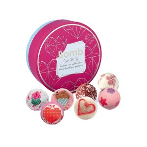 Bomb Cosmetics Giftsets Love Me Do Creamer